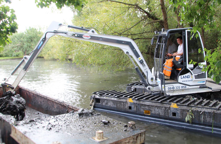 Amphibious Excavators | Land & Water Plant Hire