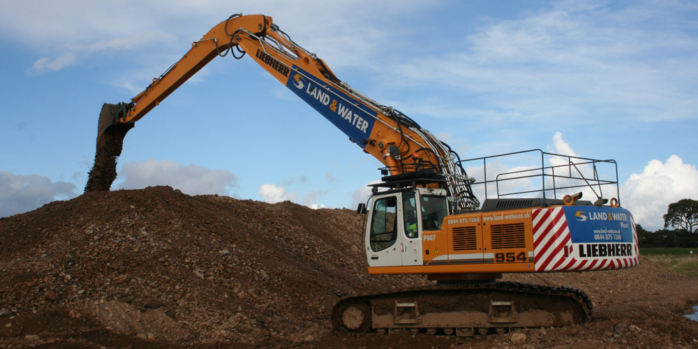 20m 55 Tonne Long Reach Excavator main