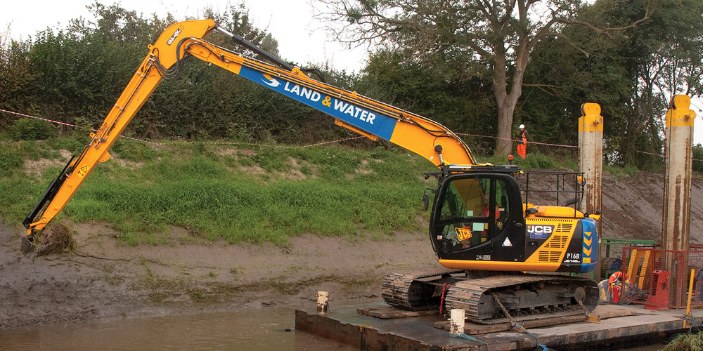 ZX130 13m 17 Tonne Long Reach Excavator main