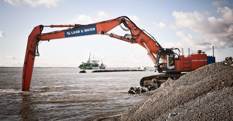ZX670 25m 80 Tonne Long Reach Excavator 1